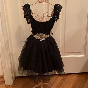 Other - Brand new little girls dress with belt & pearls!